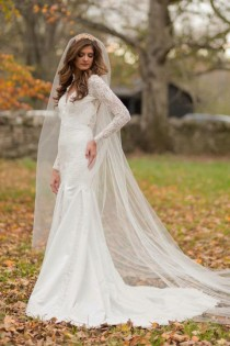 Backless 2016 Mermaid Wedding Dresses Trumpet V Neck Lace Sheer Long  Sleeves Sweep Train Open Back Sexy Bridal Dresses Wedding Gowns Online with  ... 6a03049a949f