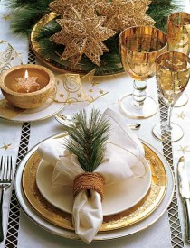wedding photo - 50 Stunning Christmas Tablescapes