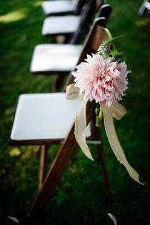 wedding photo - Ya Huele A Primavera… Destacamos 8 Flores De Temporada…