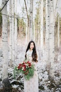 wedding photo - 10 Lace Wedding Dresses For Ultra Feminine Bride