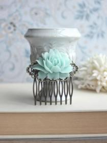 wedding photo - Mint Green Rose Flower Antiqued Brass Filigree Hair Comb. Green Wedding Floral Hair Comb. Bridesmaid Hair Comb. Wedding Bridal Hair Comb.