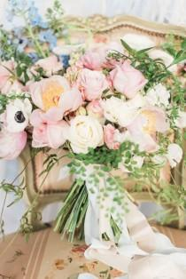 wedding photo - Pantone Color Of The Year: Rose Quartz And Serenity