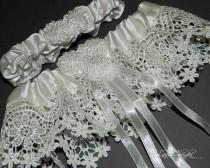 wedding photo - Wedding Bridal Garter Set, Ivory Garter Set, Lace Garter, Bridal Garter Set, Ivory Lace Garter Set, Venice Lace Bridal Garter