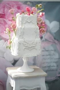 wedding photo - Wedding Cakes With Rare Details By Melcakes