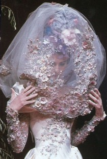 wedding photo - Runway Shows Of The 1990s