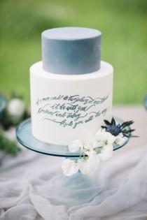 wedding photo - Eadible Calligraphy On Wedding Cake