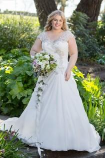 wedding photo - Plus Size Lace & Applique Wedding Dress - Up to Size 28W