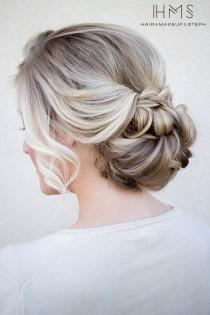 wedding photo - A perfect hairstyle