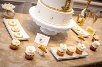 wedding photo - Gold  & white  wedding cake