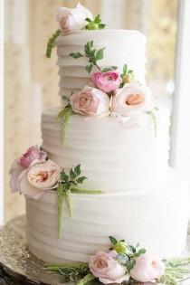 wedding photo - 30 Simple, Elegant, Chic Wedding Cakes