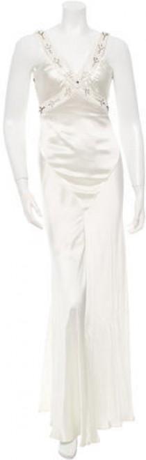 wedding photo - Vera Wang Embellished Wedding Gown w/ Tags