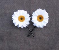 wedding photo - Daisy Bobby Pins - White Daisy Hair Flowers. Daisy Hair Pins, Daisy Pins, Bridesmaids Gifts, Daisy accessories, EDC, Daisy Chain, Daisies,