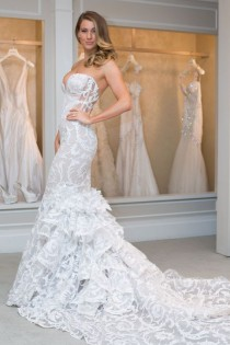 wedding photo - New Pnina Tornai Wedding Dresses: See A Real Bride Model 6 Hot-Off-the-Runway Gowns