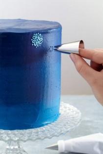 wedding photo - 5 New Ways To Use Decorating Tools You Already Have