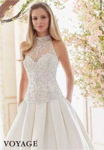 wedding photo - STRAPLESS COVERED BUTTONS MORI LEE 6841 WEDDING DRESS