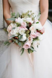 wedding photo - 10 Beautiful Wedding Bouquets