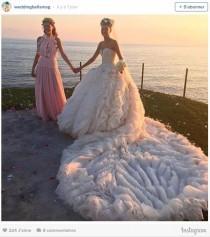 wedding photo - Découvrez l'incroyable robe de mariée de Giovanna Battaglia signée Alexander McQueen - Au fil de l'actu - Mariage.com
