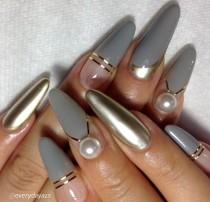 wedding photo - Chic Neon Nail Arts For Everyday
