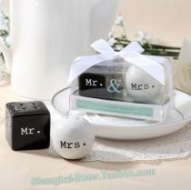 wedding photo - Bride and Groom Salt and Pepper Shakers Wedding Favors BETER-TC013