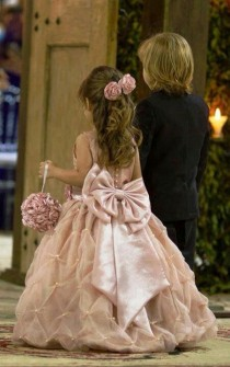 wedding photo - 16 CUTE LITTLE FLOWER GIRL DRESSES