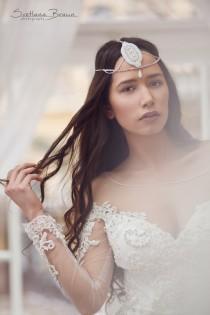 28a66a793e1eb Bohemian bridal hair chain Boho wedding headdress Bridal hair piece Wedding  head piece Wedding hair wrap Jewel hair chain Forehead chain