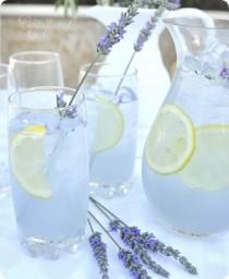 wedding photo - Beautiful Pitcher Drinks