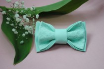 wedding photo - Men's bow tie Bowtie in mint Groomsmen bow ties Gifts for sister Wedding bow tie Gift for him her Groom Fliege für Männer Anniversary gifts