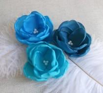 wedding photo - Ocean blue fabric flowers, Turquoise Bridesmaids hair clips, Teal shoe clips, Beisal dress sash flowers brooch, Girls Birthday Gift Set of 3