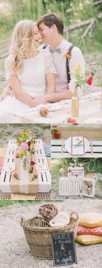 wedding photo - 5 Of Our Favorite Picnic Weddings To Inspire Your Summer Soirée