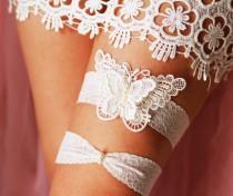15c6c5843d37b Wedding Bridal Garter Set Garter Belts - Alice in Wonderland Rustic Boho  Woodland Wedding - Pearls Ivory Butterfly Embroidered Lace