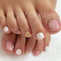 wedding photo - 60 Cute & Pretty Toe Nail Art Designs