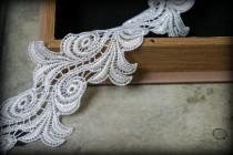 wedding photo - Ivory Lace Trim Venice Lace for Bridal, Costume Design, Sashes, Lace Jewelry, Headbands, Crafting LA-102