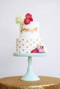 wedding photo - 10 Original Wedding Cakes By The Sugared Saffron Cake Studio