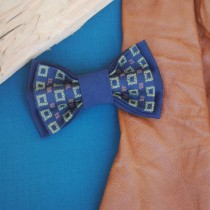 wedding photo - Navblu Men's bowtie Embroidered bow tie Navy blue pretied bowtie Pajarita azul marino Marinblå fluga Laço azul marinho Marineblau Fliege