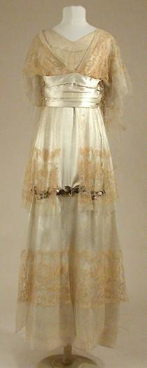 wedding photo - Couture And Accessories - Sale 03CT02  - Lot   453