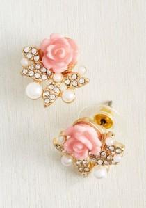 wedding photo - Graceful Taste Earrings