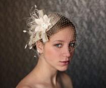 wedding photo - Ivory BIRD CAGE VEIL vintage style wedding headdress. Wedding birdcage veil hat,bridal hat. Fascinator, hair flower, crystals, feathers.
