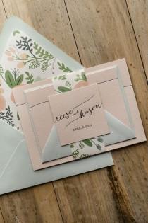 wedding photo - Gorgeous Wedding Invitations