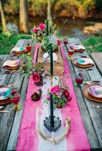 wedding photo - 15 Unique Wedding Tablescapes That Take The Cake