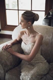 wedding photo - Glossy Bun