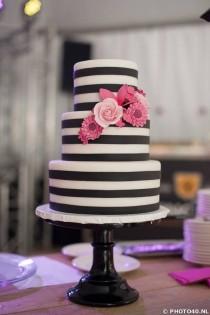 wedding photo - Delightfully Cute Wedding Cakes Inspiration