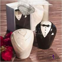 wedding photo - Beter Gifts®Amazing Bride & Groom Salt&Pepper Shaker Wedding Favor(Set of 2)