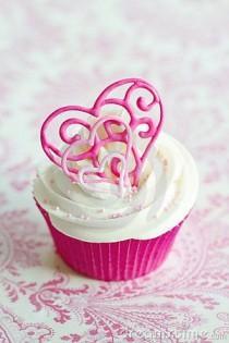 wedding photo - Valentine Cupcake