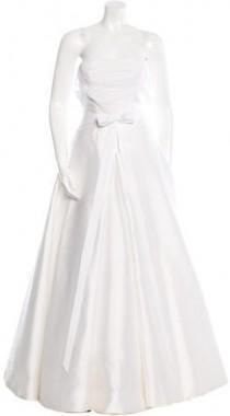 wedding photo - Vera Wang Strapless Tulle & Satin Wedding Ballgown