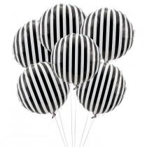 wedding photo - Black   White Stripes: 25 Chic Ways To Sport The Trend
