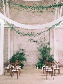 wedding photo - The Prettiest Ceremony Backdrops (Made Entirely Of Greenery!)