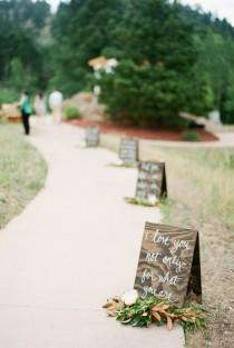 wedding photo - 20 Gorgeous Walkway Ideas Leading Guests To Your Wedding Event