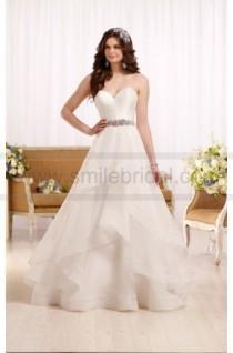 wedding photo - Essense Of Australia Wedding Dress With Sweetheart Bodice And Organza Skirt Style D2086