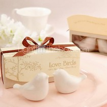wedding photo - Beter Gifts® Love Birds Ceramic Salt And Pepper Shakers Wedding Favor