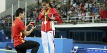wedding photo - Chinese Diver Pops The Question In Olympically Romantic Proposal